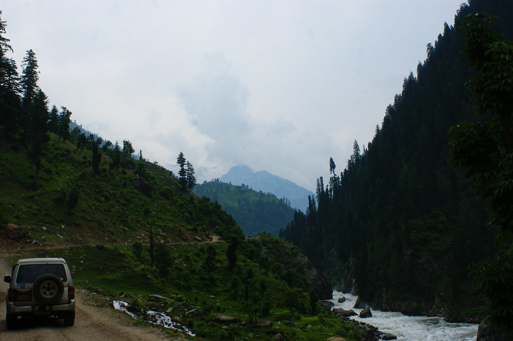 "MJC Summer 2012 Excursion to Neelum Valley with the great ""LIBRA"" and Co - 7588643278 bae7f9afce b"