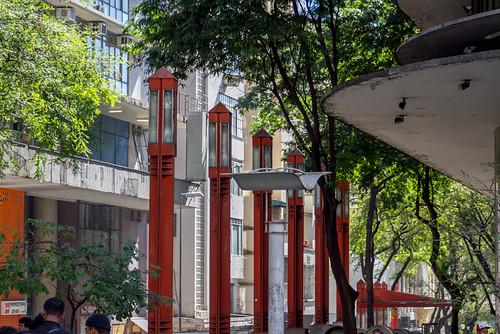 Rua Rio de Janeiro - Praça Sete - BH - MG - Brasil by Héctor Falcón