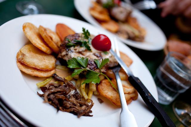 Les Philosophes Paris-Steak
