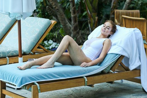 Lindsay Lohan White Bating Beauty
