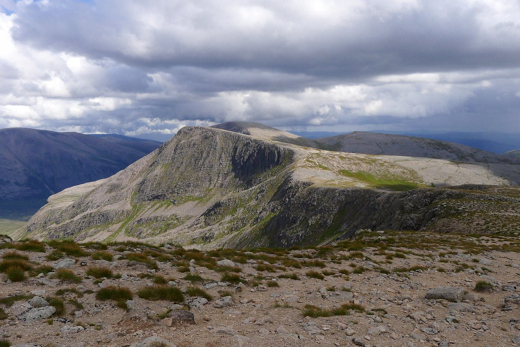 Towards The Angel's Peak & Cairn Toul