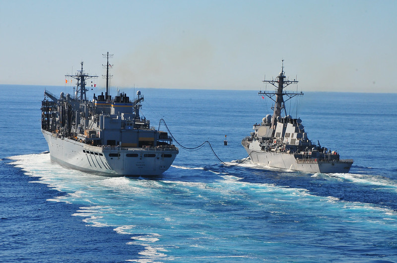 USS Higgins (ddg76) conducts replenishment at sea