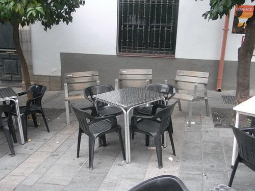 Bar el extremeño mesas pegadas bancos Plaza Agrupacion de  Cofradias 1