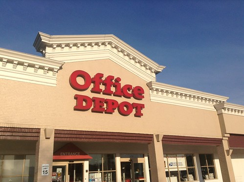 Office Depot is another store that consistently offers free Wi-Fi.  Photo CC BY 2.0 (Mike Mozart)