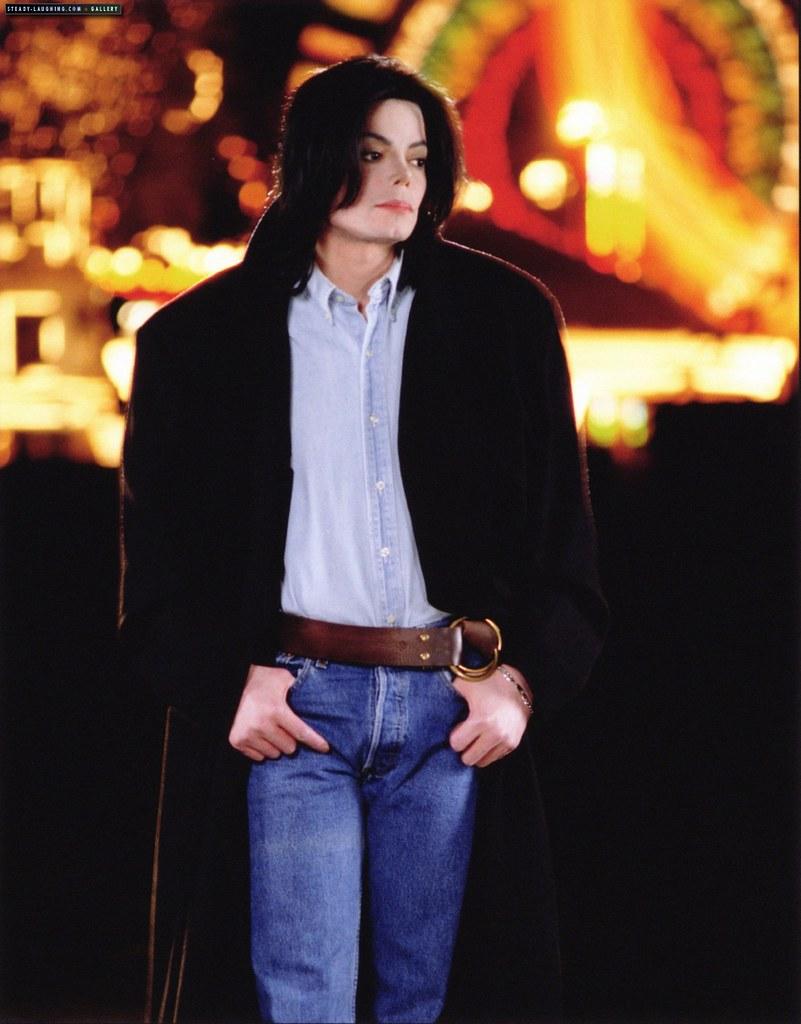 Фото | Грустный Майкл Джексон