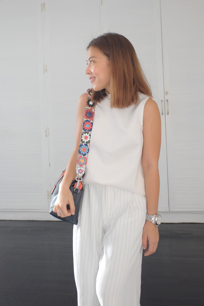 white outfit in uniqlo gaucho pants