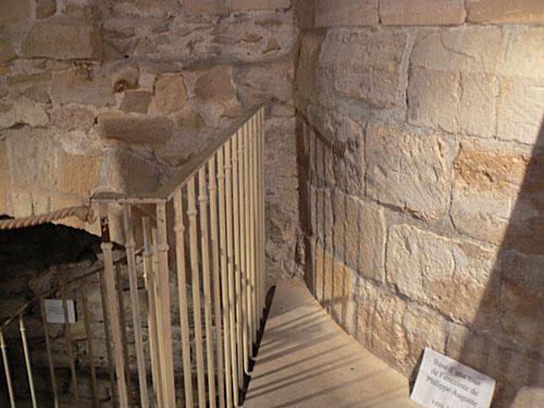 base d'une tour de l'enceinte de Philippe Auguste.jpg