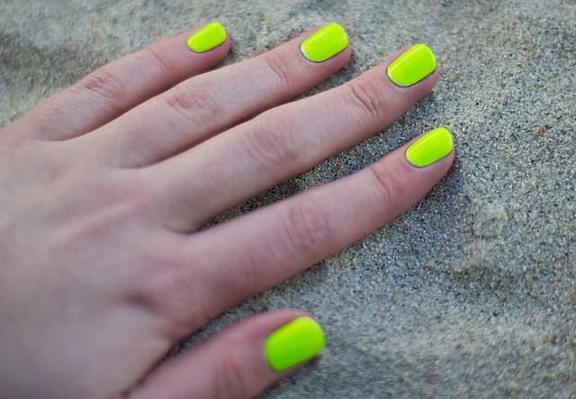 Tl design - neon light green