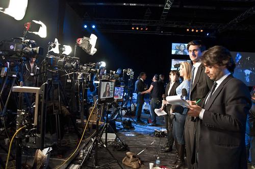 Près de 400 journalistes accrédités pour couvrir la soirée électorale du FN
