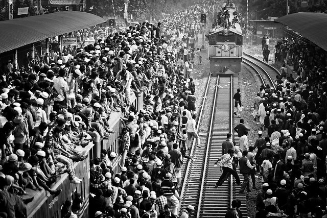 Train Rush [Uttara Train Station, Dhaka, Bangladesh]