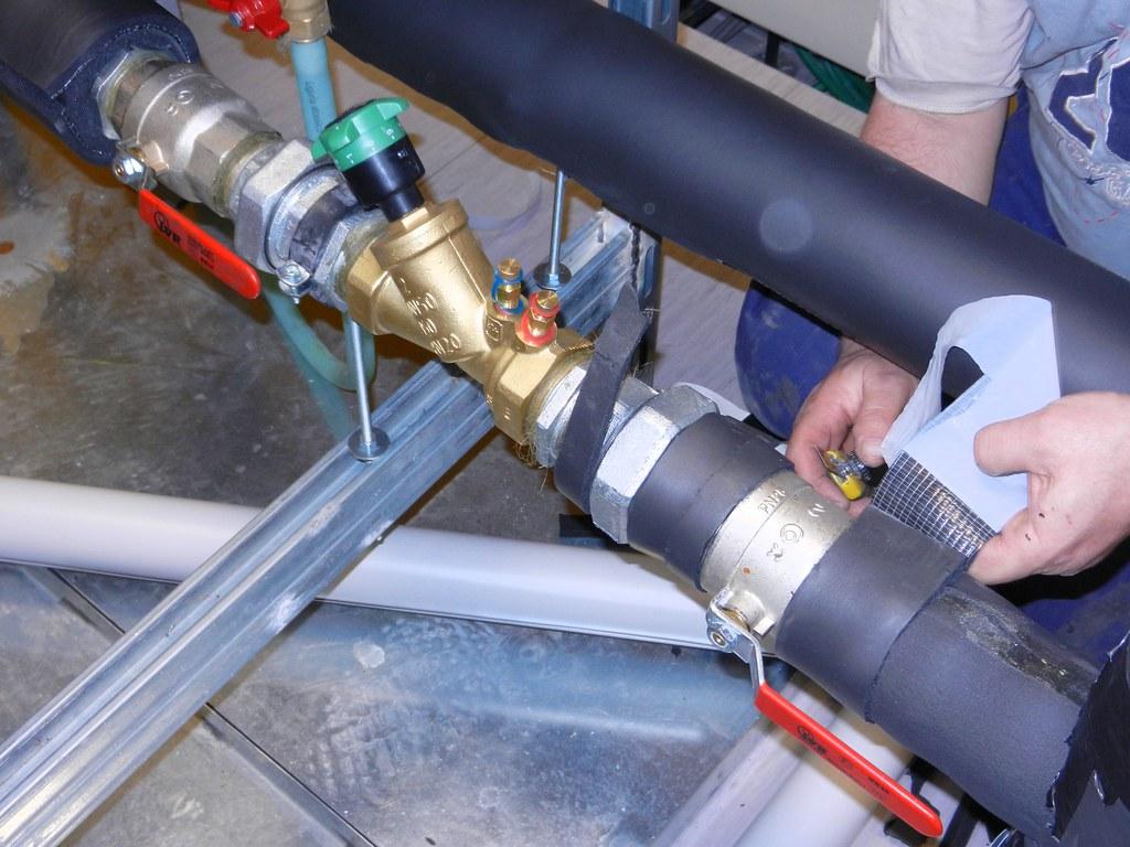 Thermal insulation of pipes (isolamento termico dei tubi)