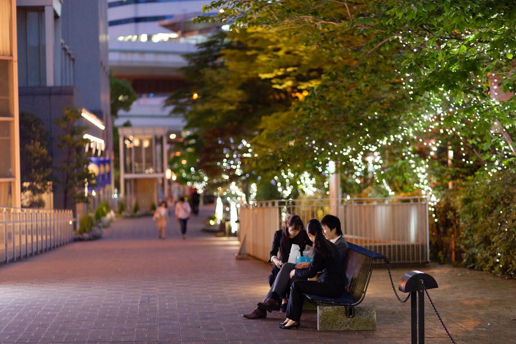 Umeda 2 Chome, Osaka-shi, Kita-ku, Osaka Prefecture, Japan, 0.04 sec (1/25), f/1.8, 85 mm, EF85mm f/1.8 USM