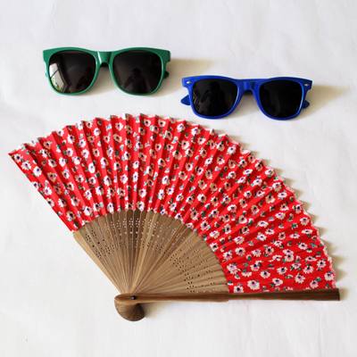 fashionarchitect.net sunglasses and fan 2