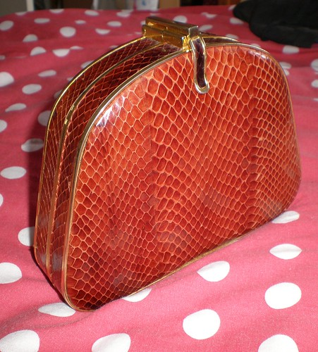 1964 Vintage Handbag Closed