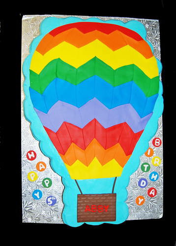 5th birthday rainbow hot air balloon cupcake cake