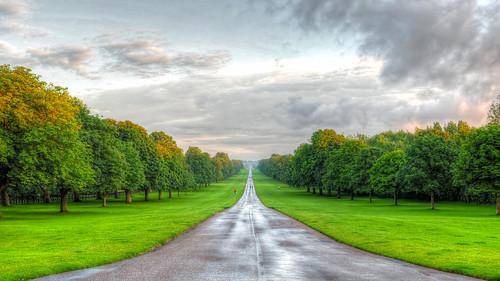 travel england tree green castle grass rain 35mm lens landscape prime nikon long day walk f14 n windsor hdr ul d700