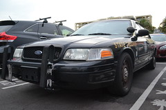 automobile, automotive exterior, ford crown victoria police interceptor, vehicle, police car, full-size car, bumper, ford, ford crown victoria, land vehicle, luxury vehicle, motor vehicle,