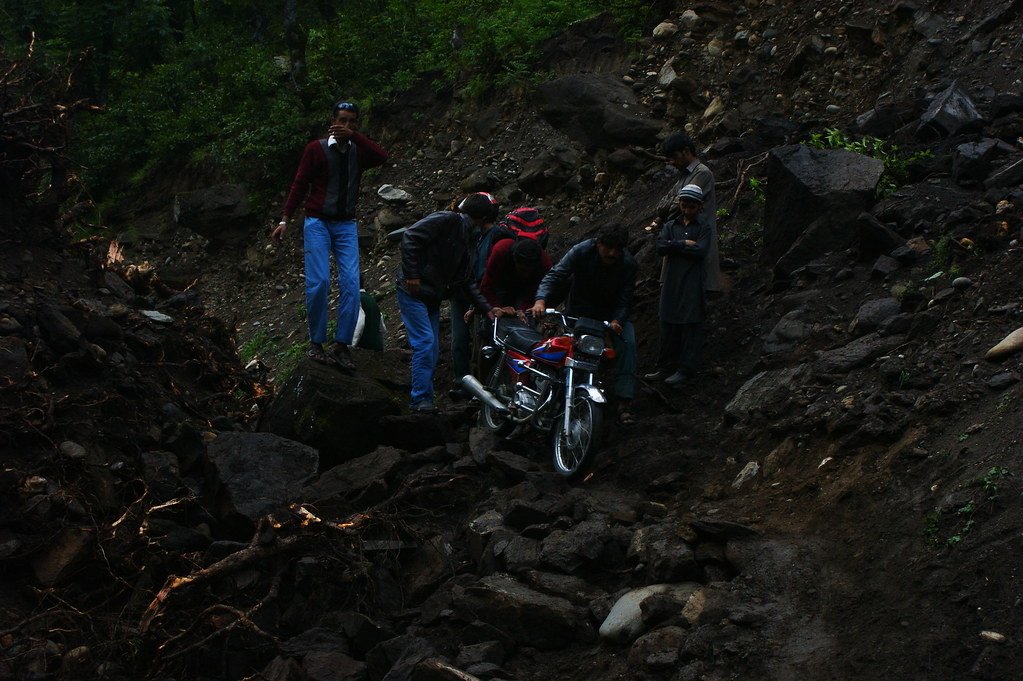 """MJC Summer 2012 Excursion to Neelum Valley with the great """"LIBRA"""" and Co - 7641959870 223b60cea2 b"""