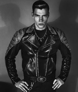 versace-fall-winter-2012-campaign-003