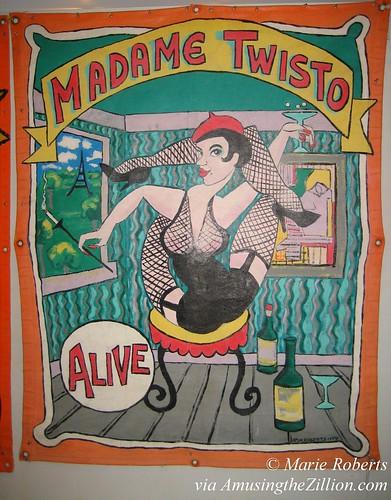 Madame Twisto Sideshow