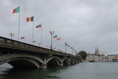 2012.08.02.056 - BAYONNE - Pont Saint-Esprit - Cathédrale Sainte-Marie de Bayonne