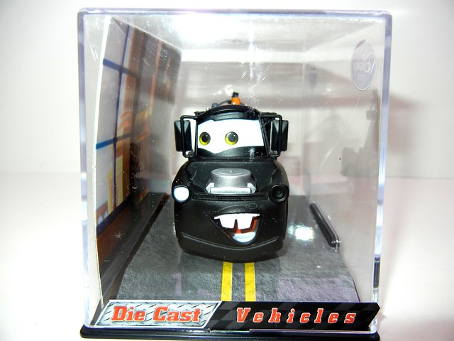 disney store cars 2 stealth mater chase (2)