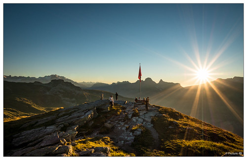 sunset sun schweiz switzerland sonnenuntergang view sac hike berge aussicht sonne montains glarus wanderung leglerhütte glarussüd mygearandme mygearandmepremium