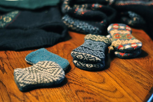 sweater baby mitts