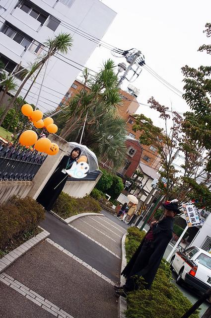 Yamate-Halloween-Walk2012-15-R0022488