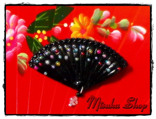 Broche Abanico Negro Perlitas