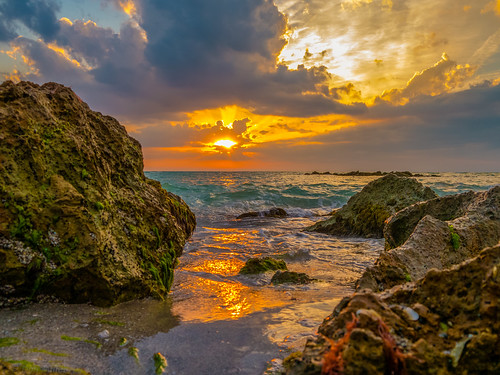 sunset sun gulfofmexico water night sand rocks seascapes cloudy sunsets g5 oceans beachphotgraphy lizasgarden projectweather cloudsstormssunsetssunrises sunsetmadness sunsetsniper