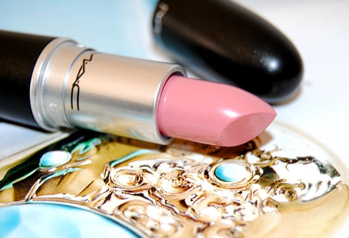 Creme Cup MAC Lipstick 3B
