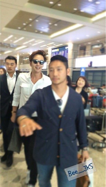 [Pics-2] JKS returned from Beijing to Seoul_20140427 14031932522_ec8896e903_z