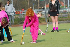 tournament(0.0), stick and ball games(1.0), sports(1.0), competition event(1.0), team sport(1.0), hockey(1.0), field hockey(1.0), ball game(1.0),