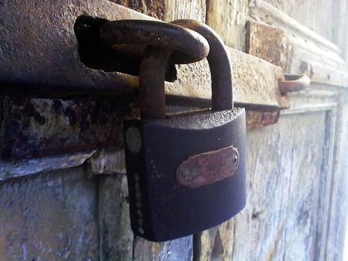 lock photo