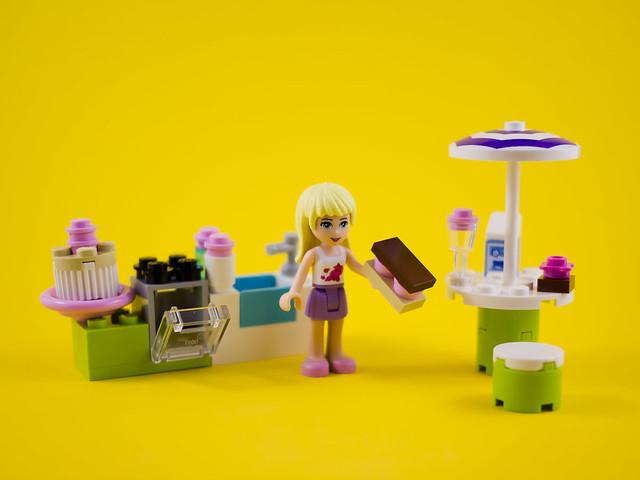 Friends 3930 - Stephanie's Outdoor Bakery