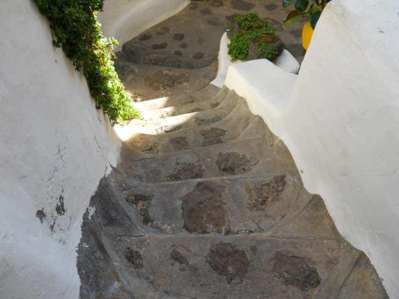 Escalera en jardines Omar Sharif Lanzarote 12