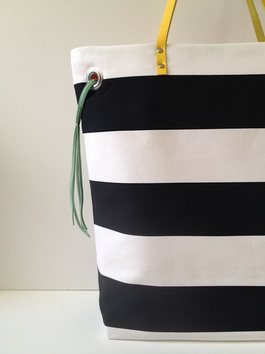Stripe + Color Tote 17i