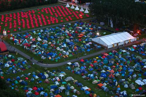 DefQon 1 2012 mashup foto - Defqon.1 camping at dusk from the heli