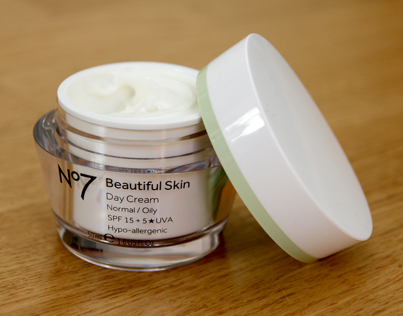 No7 beautiful skin normal:oily day cream spf15