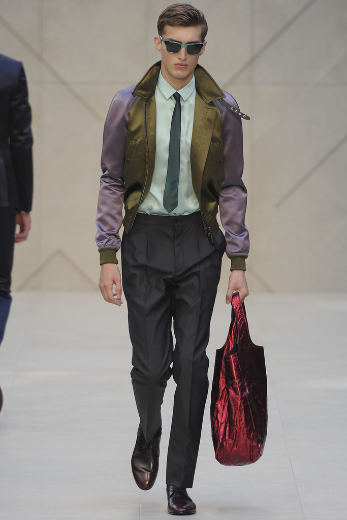 Charlie France3645_SS13 Milan Burberry Prorsum(VOGUE)