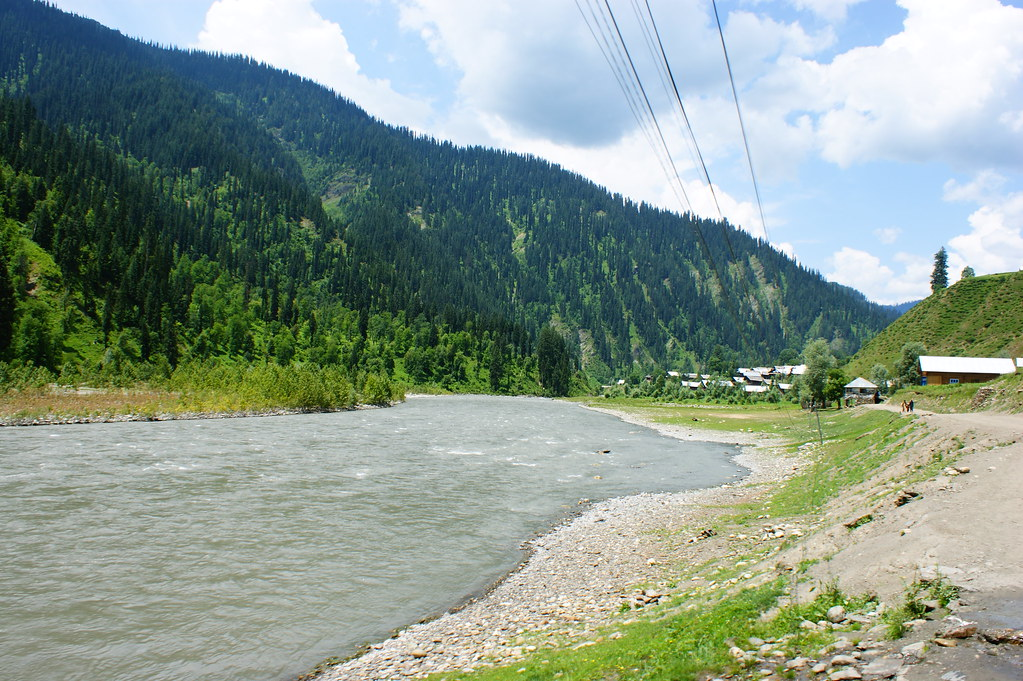 """MJC Summer 2012 Excursion to Neelum Valley with the great """"LIBRA"""" and Co - 7608649970 9460f18500 b"""