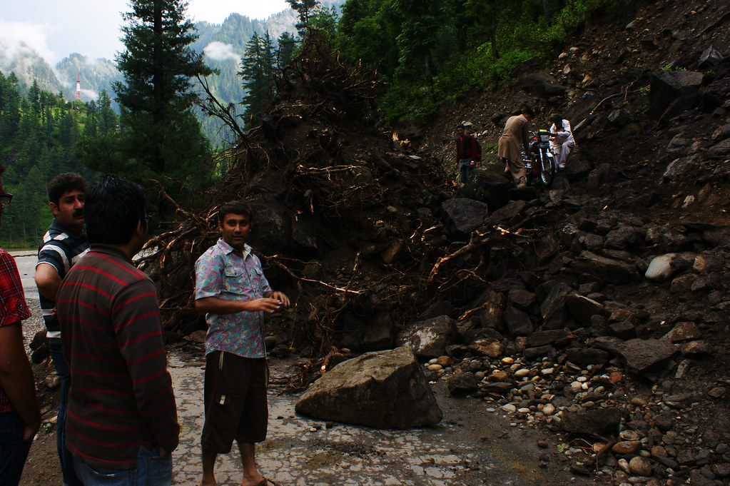 """MJC Summer 2012 Excursion to Neelum Valley with the great """"LIBRA"""" and Co - 7635594078 44670a6e28 b"""