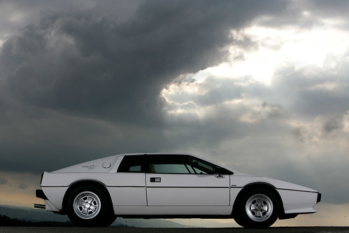 Lotus Esprit S2 by Døgen