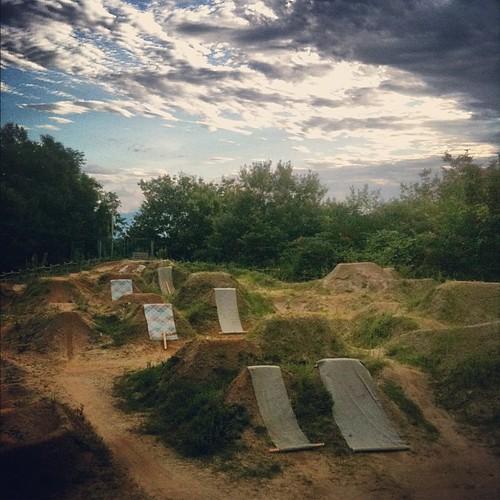 おおっトレイルっぽい(笑) #trails #bmx #dig
