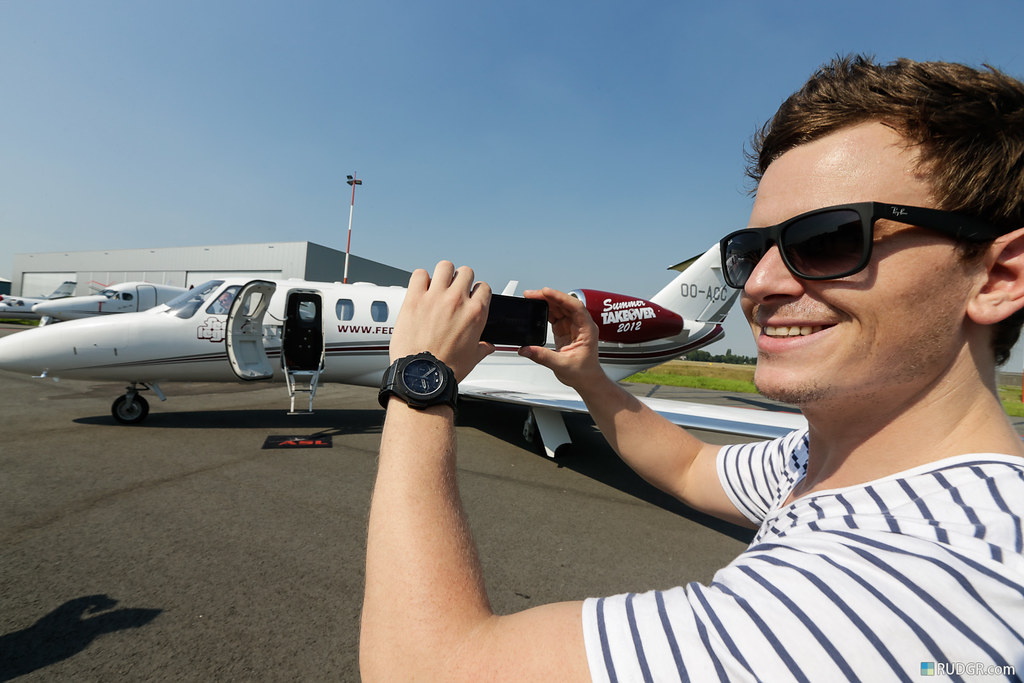 Even for a weathered DJ like Fedde flying your own jet never tires.