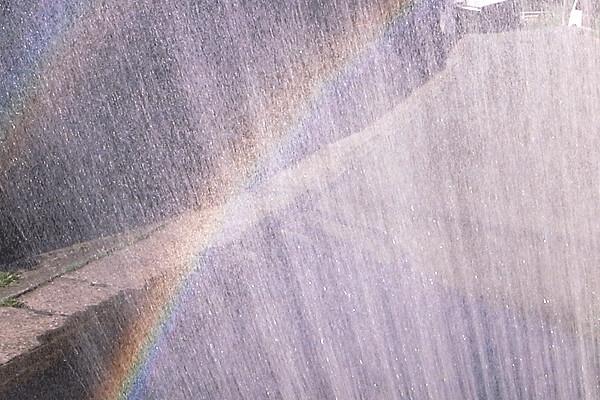虹をつくる