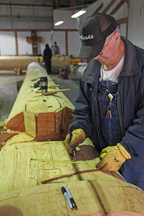 carver begins totem pole, Hydaburg, Alaska