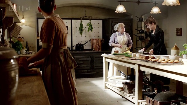 DowntonAbbeyS02E08_kitchen_sprigsoverstove