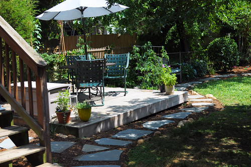 Adding outdoor space with a diy floating deck diy del ray for Small floating deck